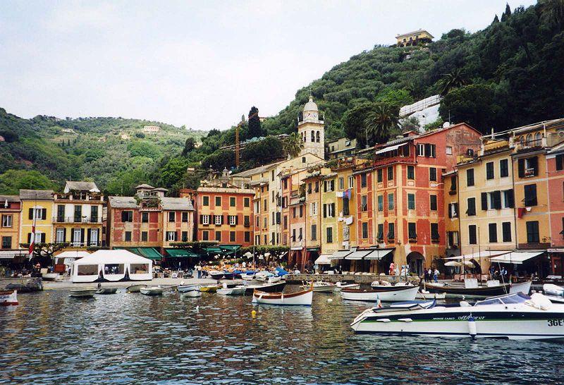 800px-Portofino_harbor_right